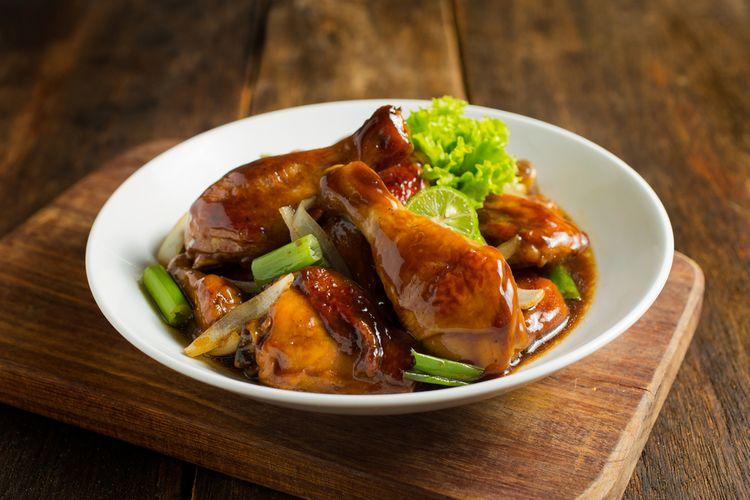 1.   Ayam Kecap Manis Sederhana