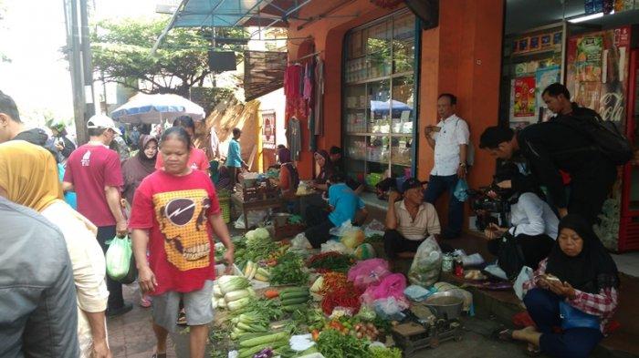 1.   Area Dekat Pasar