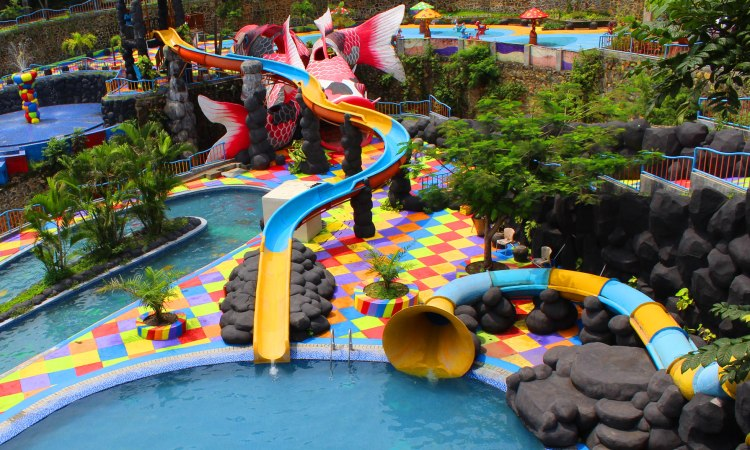 12.   Waterpark Kediri