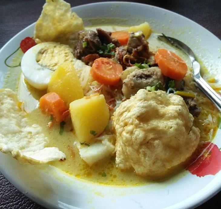 2.   Soto Ayam Santan Belitung