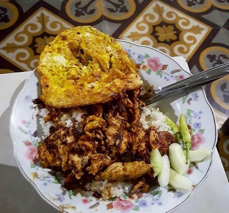 3.       Nasi Ayam Krengsengan