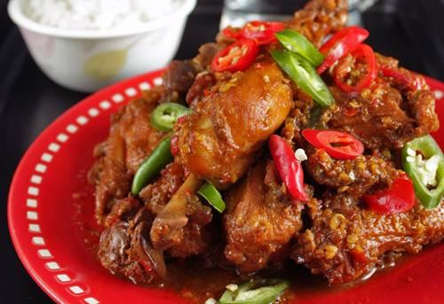 3.   Ayam Kecap Manis Cabe Ijo