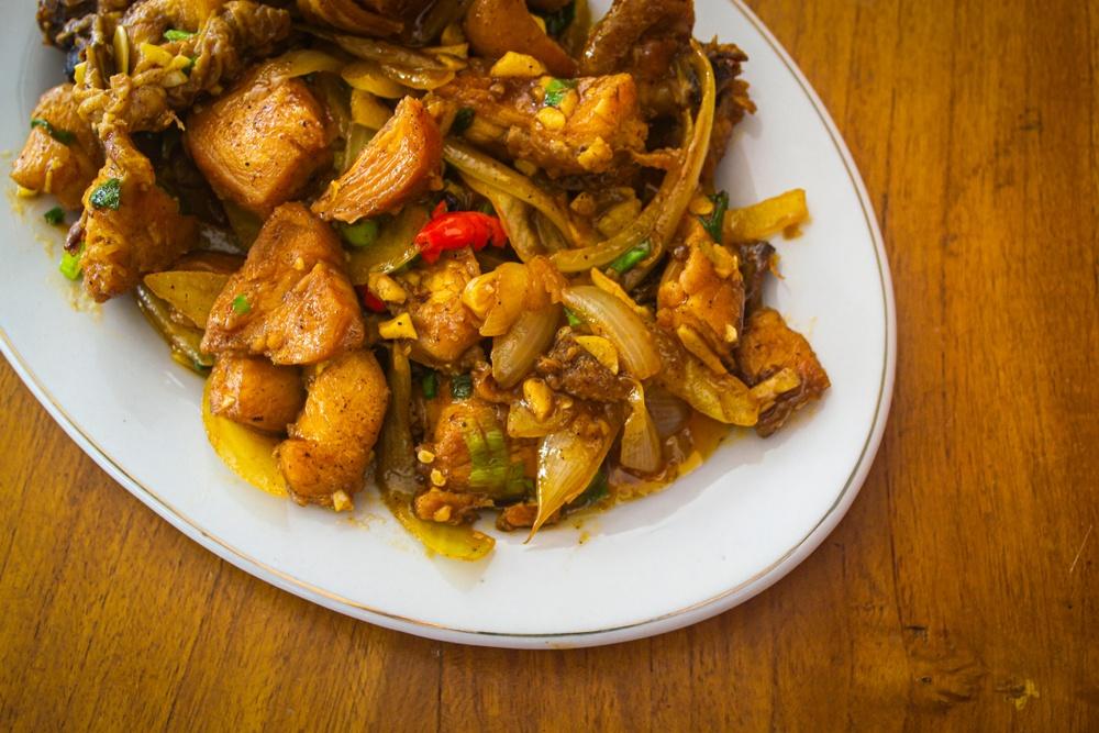 4.   Ayam Kecap Mentega