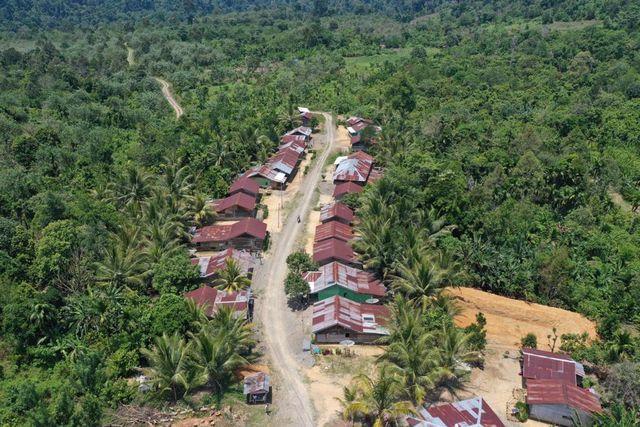 5.   Area Pemukiman Warga