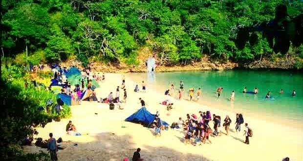 1.   Pantai Segara Anakan, Pulau Sempu