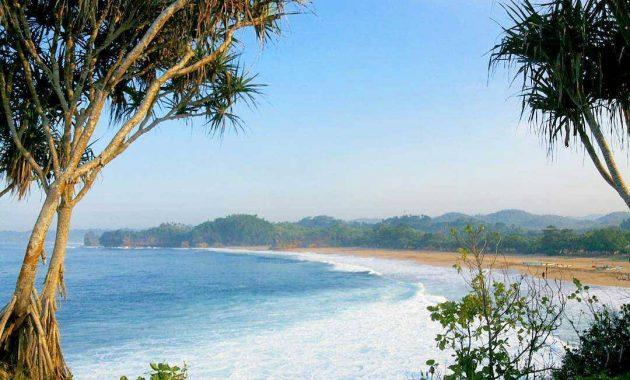 12.   Pantai Ngantep