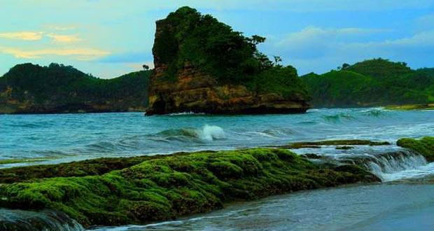 17.   Pantai Tamban