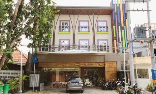 17.   De Puri Hotel