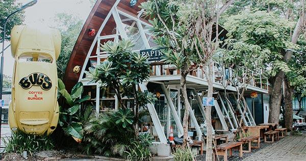 2.       Bugs Cafe Surabaya