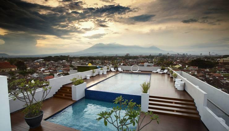 20.   MaxOne Hotel Malang