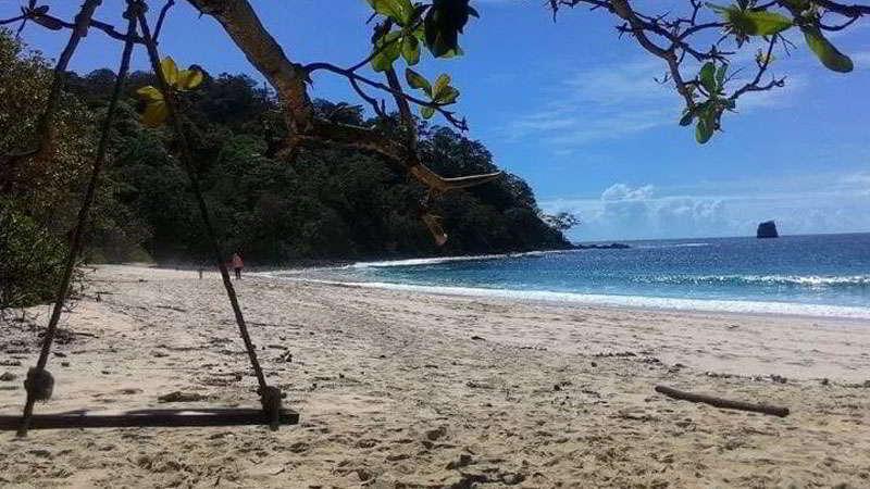 23.   Pantai Sendiki