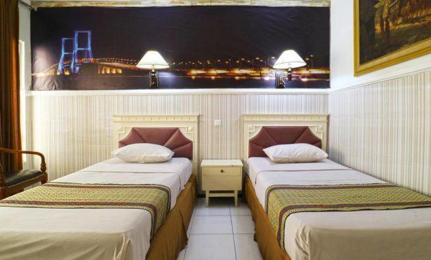 3.   Hotel Tanjung