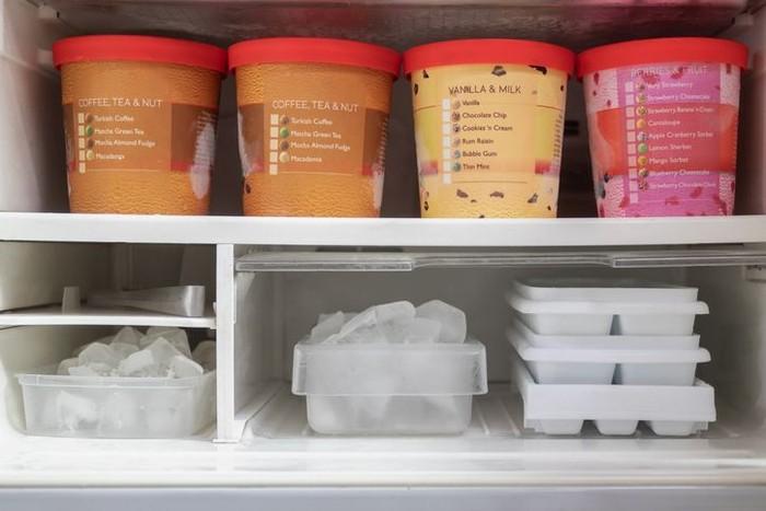 4.   Masukan Adonan Es Krim dalam Freezer