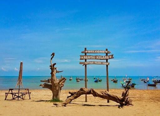 5.   Lokasi Pantai Kelapa Tuban