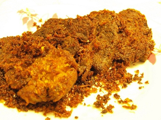 5.   Empal Daging Serundeng