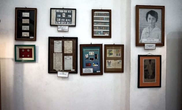 5.   Memamerkan Foto Tokoh Kesehatan Indonesia