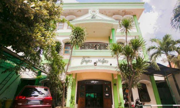 5.   Griyo Mulyo Hotel