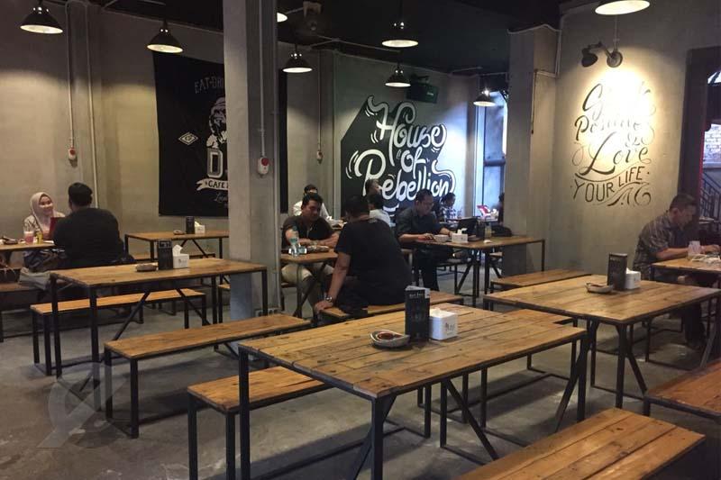 5.   De Javu Cafe & Eatery