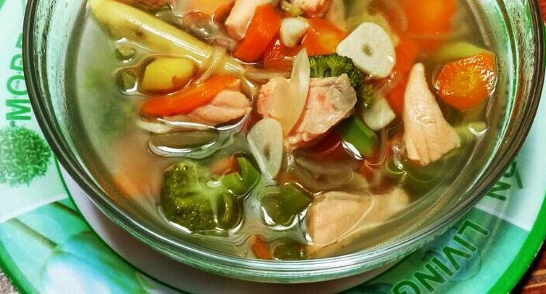 5.   Tambahkan Air Secukupnya Untuk Kuah Sup