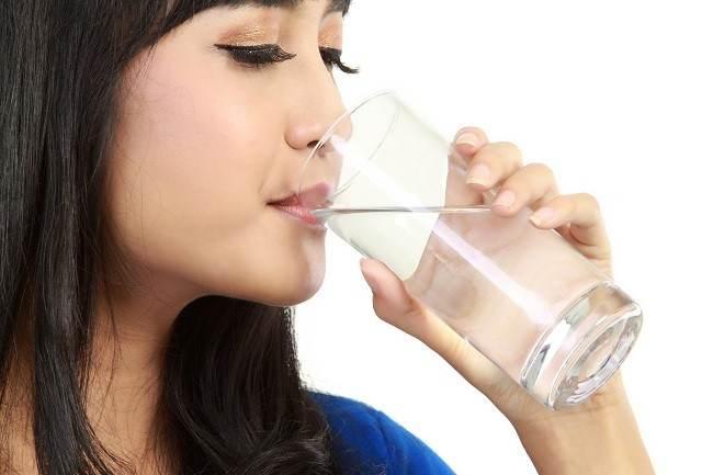 6.   Mengatasi Dehidrasi