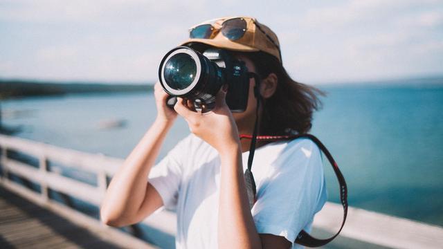 7.   Menjadi Fotografer