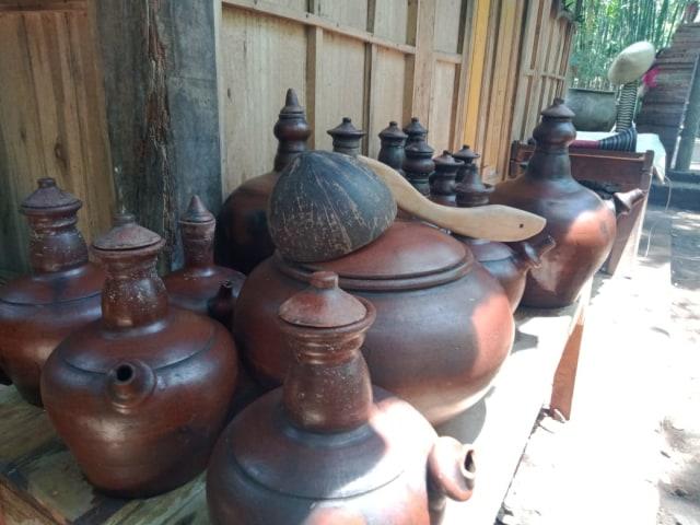 2.   Masih Menggunakan Dapur Tradisional