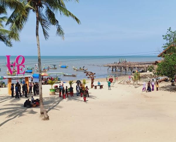8.   Ikon Wisata Tuban