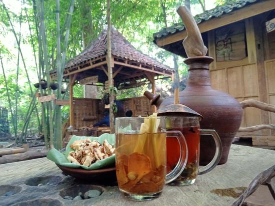 4.   Banyak Makanan Vegan dan Minuman Tradisional