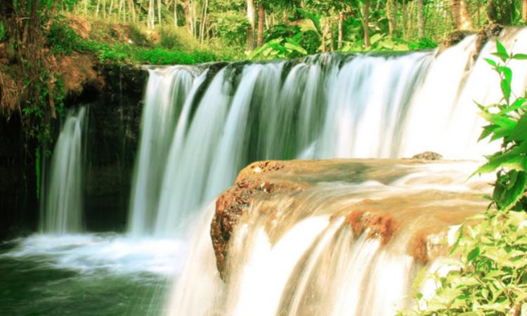 9.   Air Terjun Sumber Salak