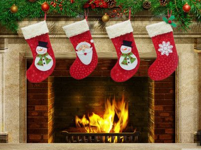 1.   Kaos Kaki Santa
