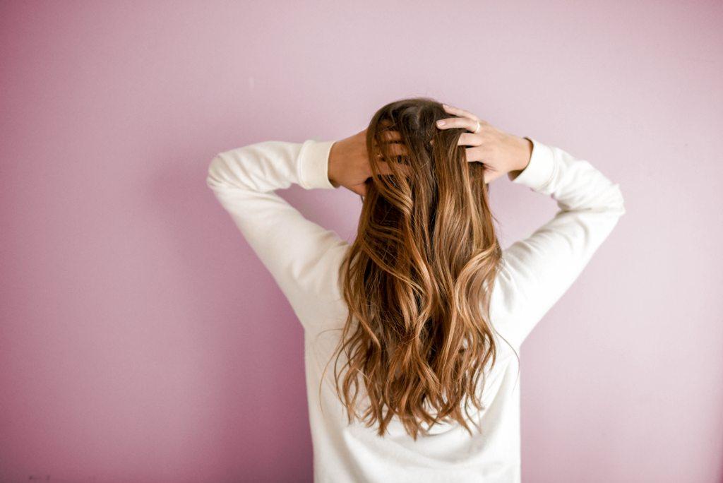 12.   Perhatikan Nutrisi Rambut