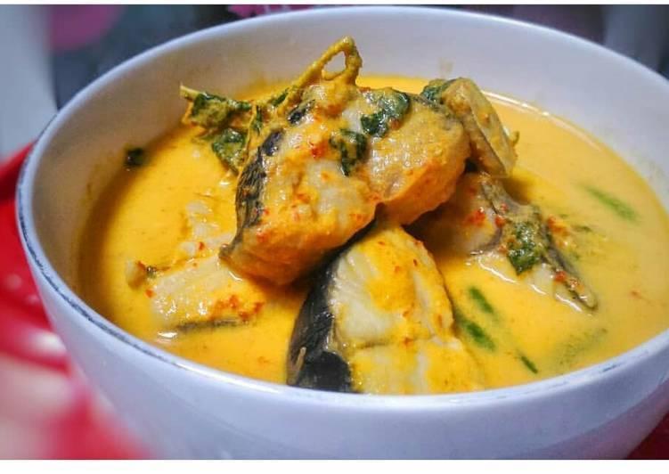 3.   Gulai Ikan Tenggiri