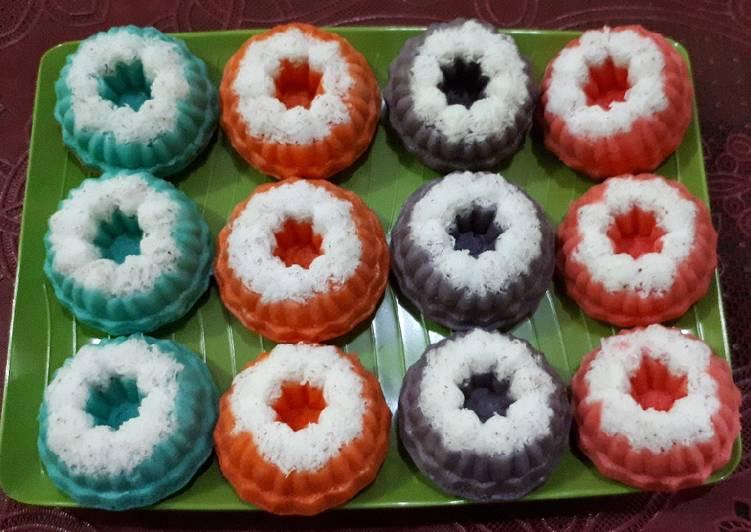 5.   Kue Putu Ayu Warna-Warni