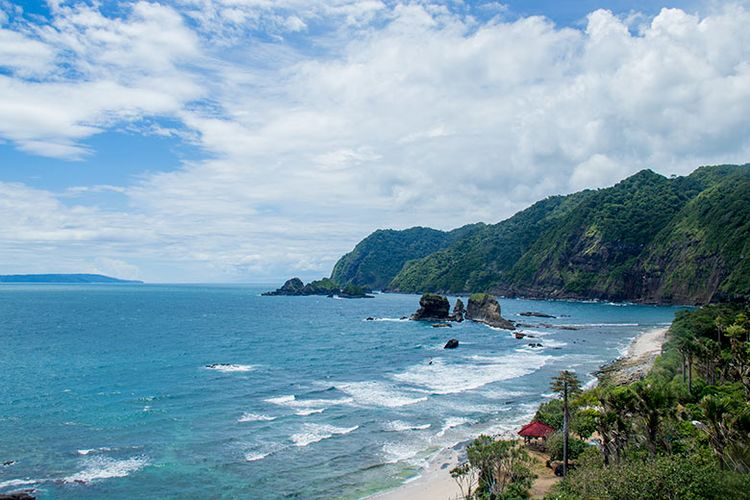 7.   Mitos dan Hal Mistis di Pantai Papuma