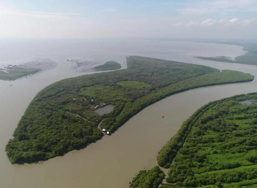 8. Pulau Sarinah