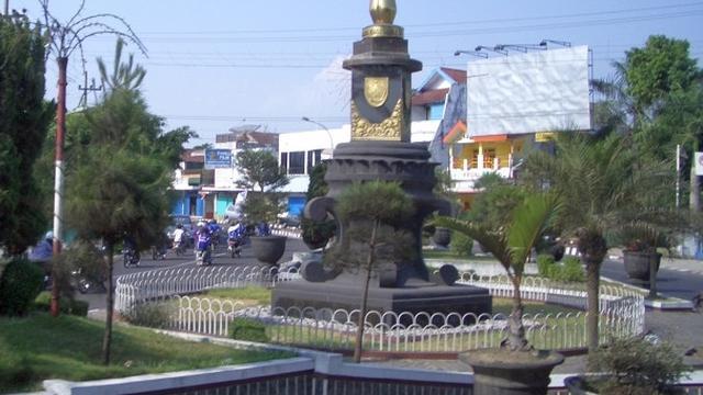 8.   Menjadi Ikon Wisata Kota Jember