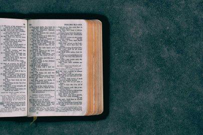 9.   Alkitab