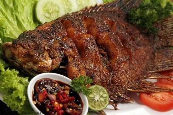 9. Ikan Bakar Bumbu Kecap Sederhana