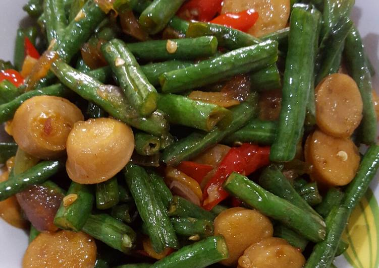 2. Tumis Kacang Panjang Sosis