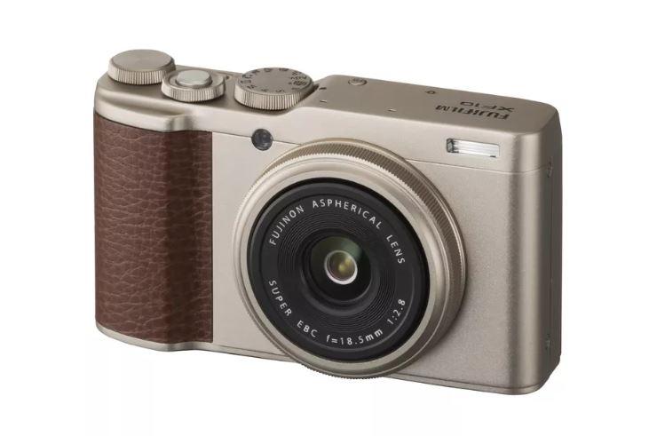 7. Fujifilm XF10
