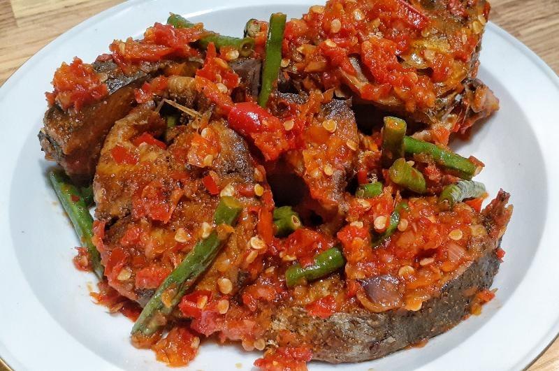 7. Kacang Panjang Tongkol Balado