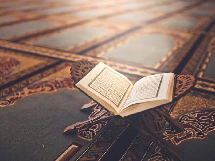 1. Bulan Diturunkannya Al-Qur'an