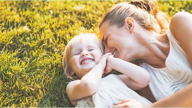 10. Ungkapkan Kasih Sayang Pada Anak