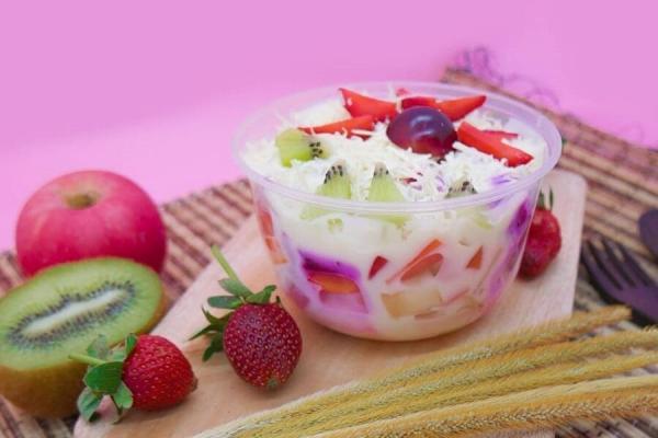 8. Salad Buah