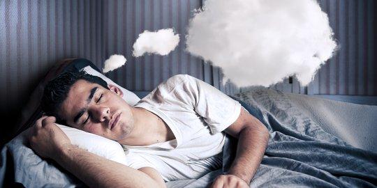 2. Mimpi Diserang Ular