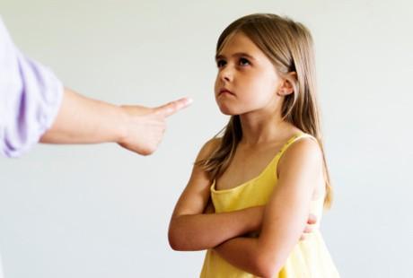 4. Berbicara dengan Tegas