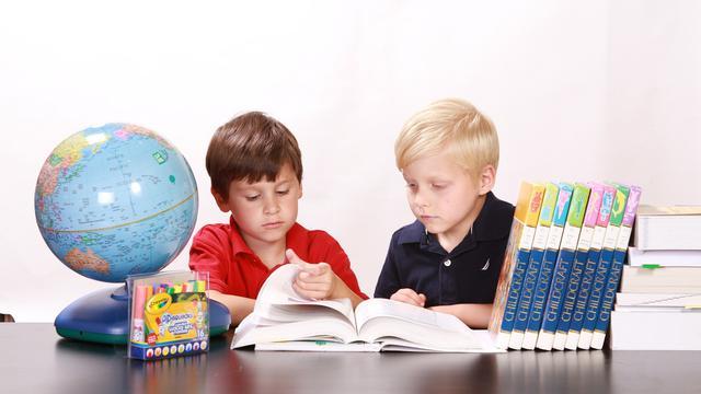 5. Mulai Mengenalkan Anak Membaca Suku Kata Bervariasi