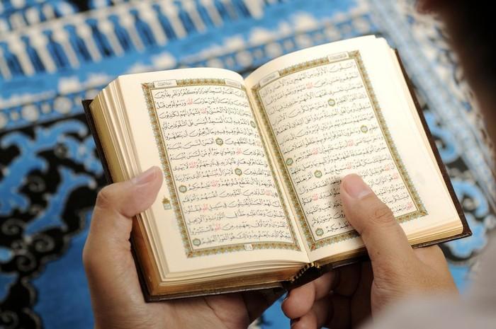 8. Membaca Al-Quran