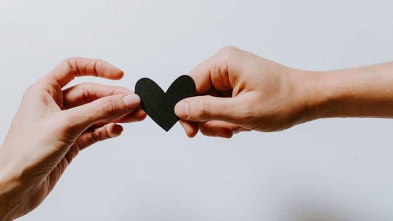Arti Komitmen Dalam Hubungan Percintaan