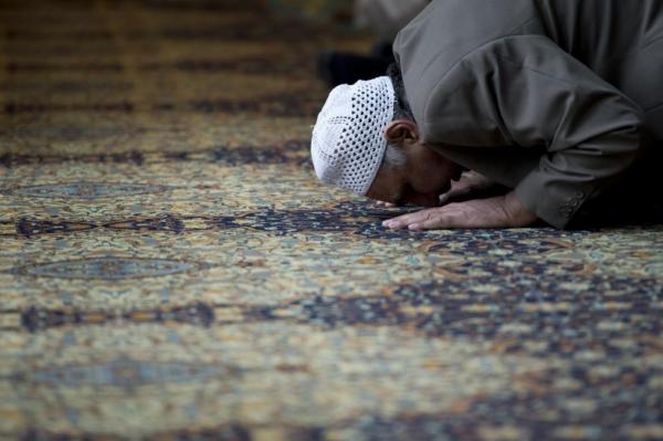 6. Bacaan Niat Sholat Idul Fitri Munfarid